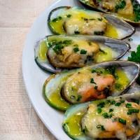 หอยแมงภู่อบชีส/Baked New Zealand Mussels with Cheese