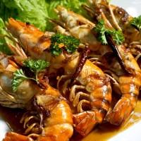กุ้งแม่น้ำราดซอสมะขามBaked Big Prawn With Tamarind Sauce