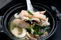 ต้มยำท้องปลาแซลม่อน Spicy maw's salmon soup