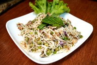 ยำขนมจีนปลาทู Rice vermicelli spicy salad