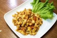 ผัดมักกะโรนีหมูสับ Stir Fried Macaroni with Pork