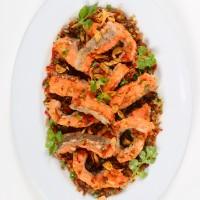 เนื้อปลาแซลมอนคั่วพริกเกลือสิงคโปร์