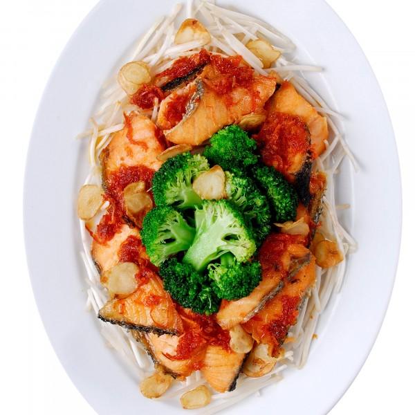 เนื้อปลาแซลมอลผัดซอสXO.|07-เนื้อปลาแซลมอนผัดซอสxo.jpg
