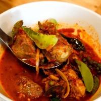 แกงป่าซี่โครงหมู Pork ribs in ground peanut-coconut cream curry
