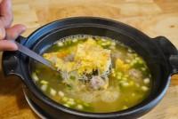 แกงจืดไข่เจียววุ้นเส้น Clear glass noodle soup with Bean Curd,Omelet and Minced Pork